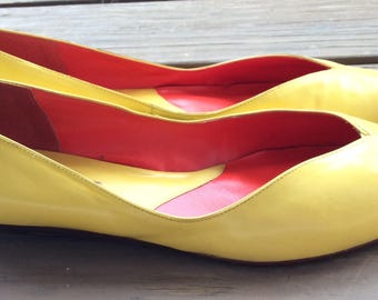Vintage Gloria Vanderbilt yellow leather shoes size 9.5