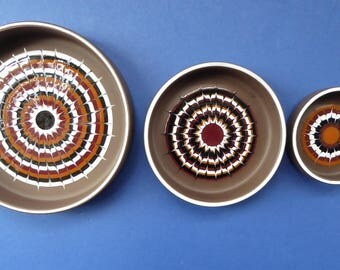Set of Three 1970s Graduated HORNSEA Muramic Lancaster Vitramic Shallow Dishes. John Clappison Designs