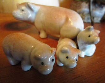 Pig Figurines, Vintage Pigs, Animal Figurines,Miniature Animals, Pig Family, Miniature Pigs, Vintage Figurines, Pig Collectibles, Pig Statue