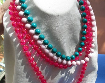 Lot Of Retro Colorful Plastic Beaded Necklaces One Needs Clasp Ring Reattached