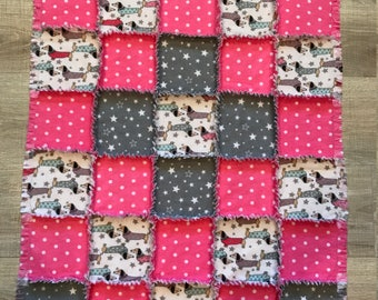 Dachshund flannel quilt, Flannel fabric Dachshund, Doxie Dachshund blanket, dog blanket, doxie crate, gray stars, polkadot;10% PPto charity