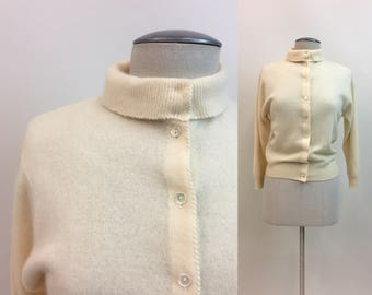 Vintage 1950 BABYDOLL Sweater /Penney's Made in Japan Cardigan / 50s Pinup Girl Rockabilly Off White Cream Sweater
