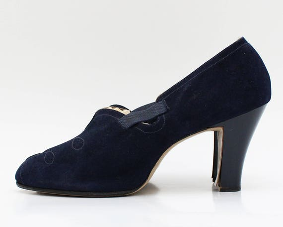 Vintage 1950s Navy Blue Suede Pumps - Size 7