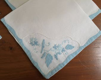 Vintage Linens, Set Of 6 Napkins, Blue Applique Floral, Interior Decor, Country Home, Tea Party, Cottage Style, Shabby Chic, Vintage Gift