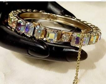 ON SALE Pretty Vintage Emerald Cut AB Rhinestone Hinged Bangle