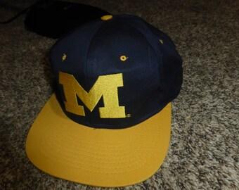 Vtg Michigan Wolverines NCAA SEWN Snapback Cap Hat