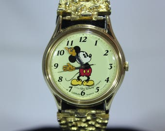 Beautiful Disney Gold Toned Mickey Mouse Quartz Watch