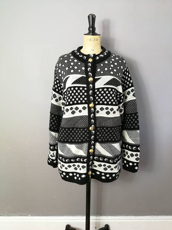 90s patterned cardigan / thick oversized cardigan / grunge cardigan / black white patterned ugly jumper / 90s mum / 90s warm cardigan / boho