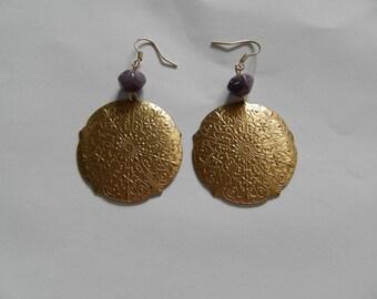 Circle earrings in gold and purple Lampwork bead