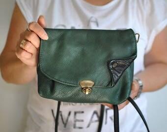 Vintage MESSENGER LEATHER BAG .....(296)