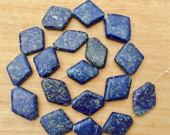 Beads - Set of 18 beads - diamond shaped lapis-lazuli - Afghani lapis beads - ethnic jewelry - Afghanistan beads - anticsethnics -