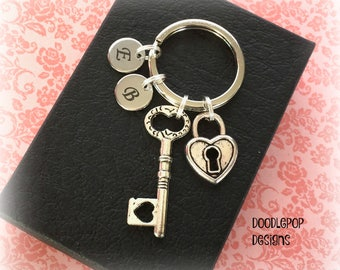 Personalised Valentine's gift - Key to heart gift - Valentine gift for her - Anniversary gift - Padlock keyring - Key keychain - Etsy UK
