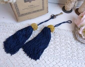 Set of 2 french vintage key tassels. Passementerie tassels Wardrobe key tassel. Royal blue and gold. French chateau. Paris apartment