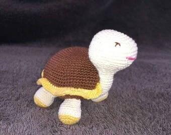 Crochet little turtle