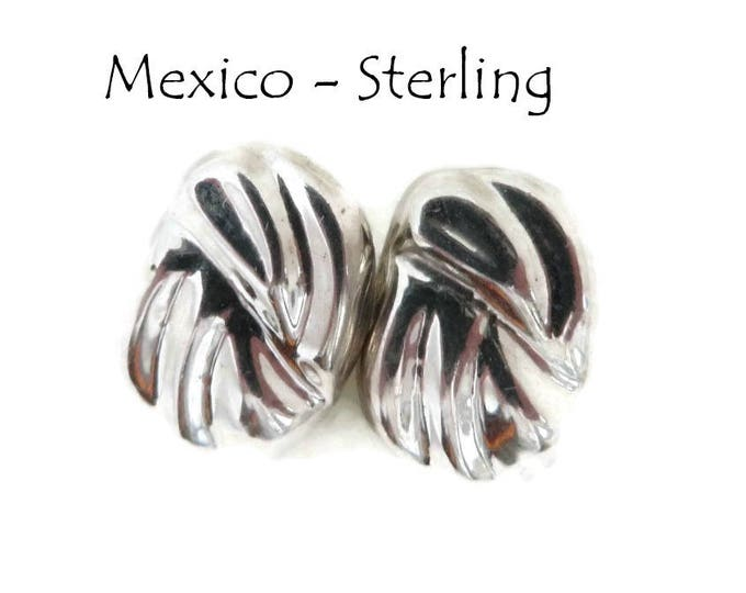 Sterling Silver Earrings - Vintage Mexican Silver Pierced Earrings, Oval Grooved Studs, Gift for Her, Gift Box, FREE SHIPPING