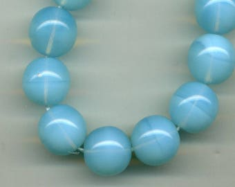 2 beads 14 mm opaque glass - Opal aquamarine (blue)