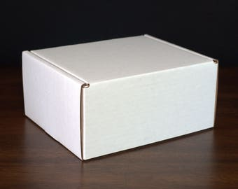 White tab lock mailers - Sized for Medium Flat Rate USPS boxes - Pack of 100