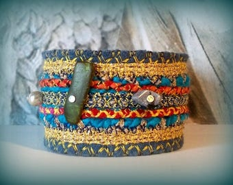 textile jewelry / ethnic/cuff/stripes and embroidery on felt blue bracelet