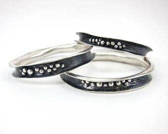 wavy bangle bracelet, forged silver bangle bracelet, oxidized bracelet, bracelet with granulation