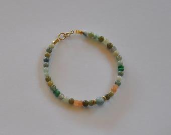 """Bracelet bohème, pierres fines, jades et pierres de lune, perles or : Modèle """"Liza"""""""