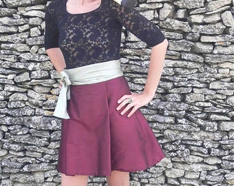 Magnolia skirt with pleat and tie belt