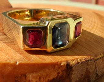 Heavy 18K vintage yellow gold ruby and sapphire ring.
