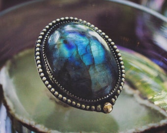 Labradorite Statement Ring with 18k Gold, Sterling Silver Flashy Labradorite Ring, Handmade Ring, Silver and Blue Ring, Mixed Metal Ring