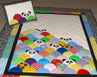 Panda quilt and pillow set