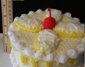 Crocheted cake box