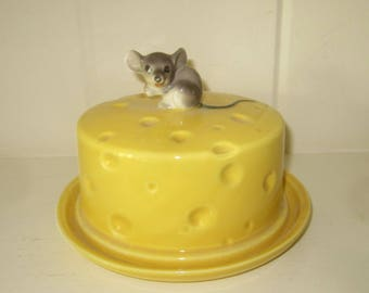 A Vintage Ceramic Covered Cheese Dish with Mouse Handle - So Cute!