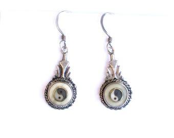 Vintage sterling silver yin yang drop earrings, dangly earrings, vintage silver jewellery, silver earrings