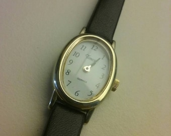 Women's vintage classic Timex. Quartz. Works A1 New 5 year battery 7.95