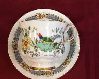 "c.1920's By Appointment to her Majesty the Queen Mary made by Paragon, England ""China Bird"" Fine bone China."