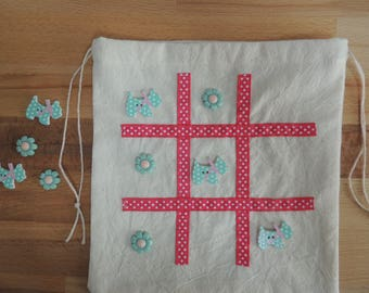 Car game. tic tac toe. party favour gift. childrens travel game. toys and games. dogs. Naughts and crosses. Board games.