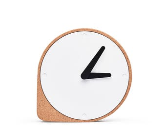 CLORK - Puik - Design - Amsterdam - Clock - Cork - Steel - Time - Natural - Hands - Simple - Inspiration - Clean - Elegant - Living room