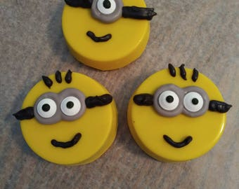 Minion chocolate covered Oreos