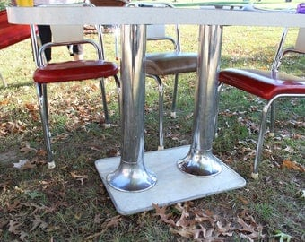 Vintage Diner style table w/ 6 chairs