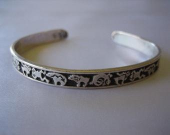Vintage Sterling Silver Native American Navajo Fetish Cuff Bracelet 13.8 Grams