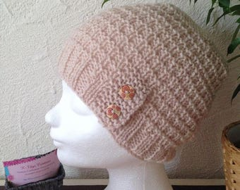Woman or teen structured beige knit hat