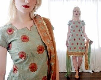 Vintage Indian mint green embroidered shorts sleeve kurta tunic dress matching golden ombre dupata scarf wrap set
