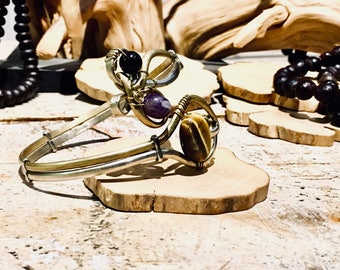 Arm bracelet with bronze and german silver wire, tiger eye, amethyst, balck onyx and hematite. Goddess amulet, magical bracelet, festival