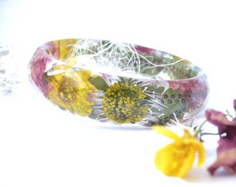 Real Flower Bangle - Floral Resin Bangle - Floral Resin Jewelry - Faceted Bangle - Real Daisy Bracelet - Pressed Flower Bangles