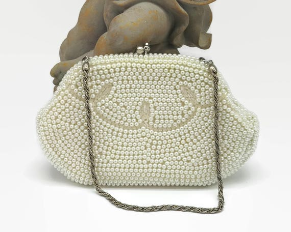 Vintage purse covered with creamy white pearl beads and small bugle beads, kiss lock, fancy chain handle, Lanza, mid 20th century