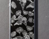 Nu goth iPhone case Tumblr Aesthetic Bird skull Flowers Creepy cute 6 6s 6+ 7 7+ 8 8+ plus iPhone X Pastel goth Pattern Hot Topic Gothic