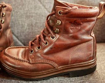 Womens 7 Grunge Boots, Vintage TImberland, Womens Work Boots, Distressed Boots, Rugged Leather Boots, Rustic Boots, Waterproof Boots