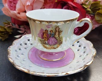 Versailles Tea Cup and saucer//vintage//English style//collecting//second hand dealer//gift//eyecatcher//tea//man and woman landscape