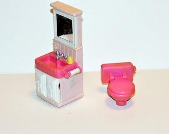 Playskool Dollhouse Bathroom Set. Miniature Toilet & Sink. Playskool Victorian Dollhouse Furniture. Playskool Dollhouse. Miniature Furniture