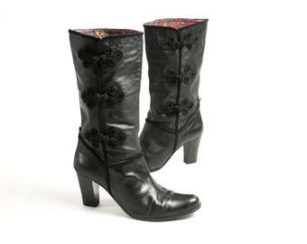 Vintage 90's Vagabond Black Real Leather Tall Boots, High Heels Boots Frog Closure Decoration - EUR 39/ US 8.5/ UK 6