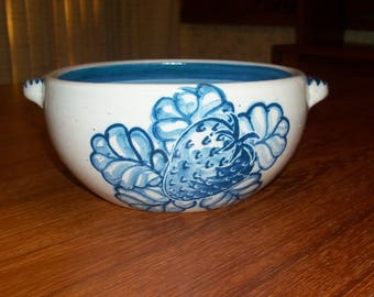 Vintage Original Dorchester Pottery Fruit Pattern Round Open Casserole Serving Bowl with Handles - STRAWBERRY and Leaves Design