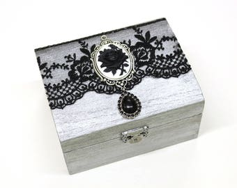 Gothic jewelry box - wooden treasure box, trinket box, ring box, gift box - Gothic Victorian art